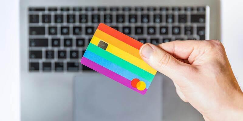 Jak szybko i skutecznie zastrzec kartę płatniczą?